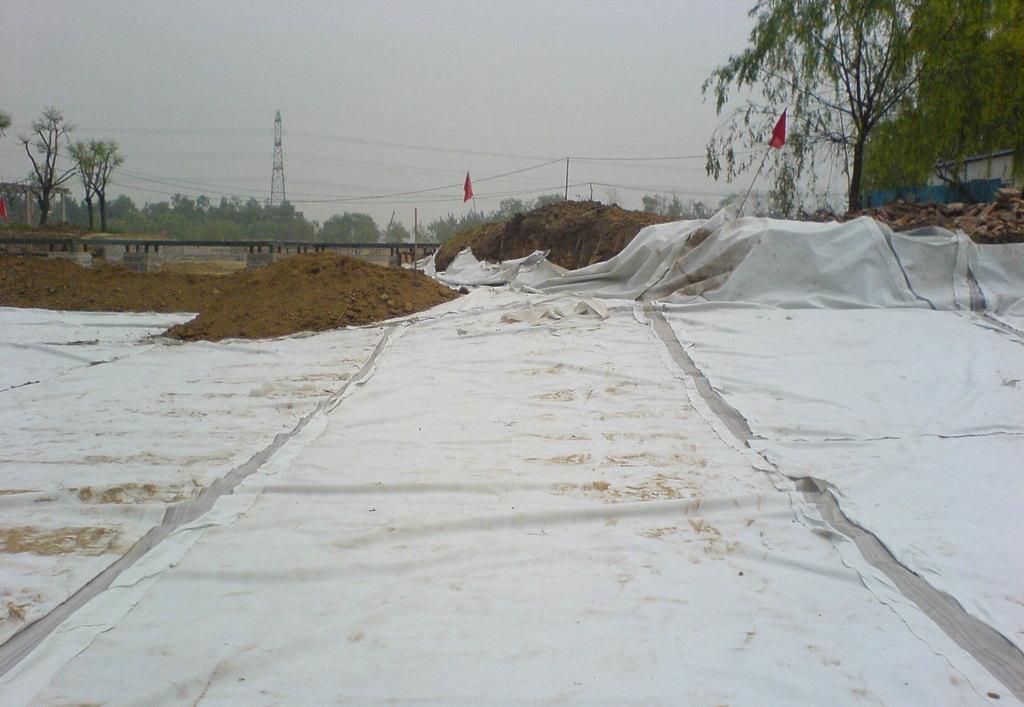 复合土工膜施工
